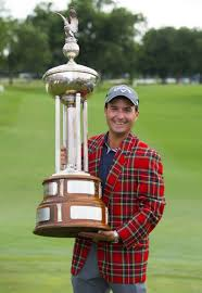 may 28 2017 fort worth tx usa dean deluca invitational winner kevin kisner holds up the marvin leonard trophy after the final round of the dean