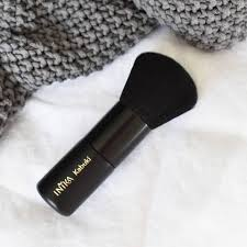 INIKA Organic - An INIKA favourite � Our Vegan Kabuki Brush is perfect for  achieving a flawless airbrushed finish with our Mineral Powders, featuring  dense synthetic bristles that are so soft, it