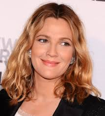 Drew Barrymore's Naturally Wavy Hair Look Gorgeous Shoulder-length. Medium-Lengths: Photos of Classic Hairstyles. Drew Barrymore - drew-barrymore-curly