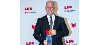 Louis McNeil, lauréat du prix Chapeau restaurateurs - Brouillard ...