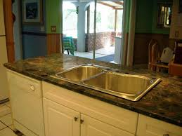 what color goes with green countertops