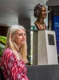 TBSSS teacher Wendy Black unveils a new sculpture - Tom Bass