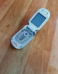Motorola V525 KlappHandy-Kult in Silber ...