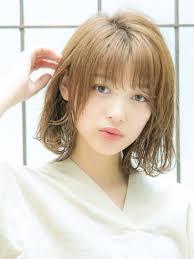 2019年夏外国人風のブラウン系カラーの髪型ヘアカタログヘア