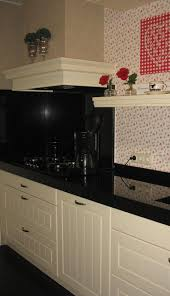 Behang Met Roosjes In De Keuken In Plaats Van Tegels Foto Geplaatst