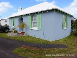 MOTIVATED SELLER! PRICE REDUCTION !!! STAND ALONE 1 BEDROOM COTTAGE WITH  APT FOR SALE IN DEVONSHIRE $680,000