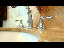 how to fix and re caulk a bathroom counter top come sistemare un piano bagno