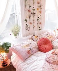 girly girl college dorm decor ideas