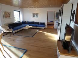 Wohnzimmer Eckcouch Holzwand Mobel Schlafzimmer Wohnzimmertisch