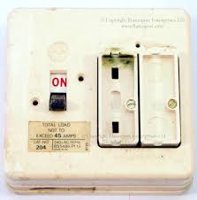 wylex standard white plastic fuseboxes white plastic wylex fuse box fuse cover removed