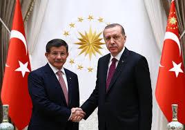 Ziemlich beste Feinde: Erdogan drängt Ex-Premier aus AKP