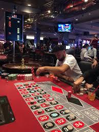 Las Vegas reopening: Casinos downtown open coronavirus measures