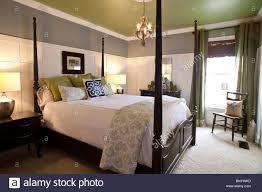 Zeitgenössische Schlafzimmer Mit Doppel Himmelbett Amerikanischen