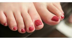 can i wear nail polish with fungus on my nails faant