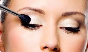 eye makeup small eyes
