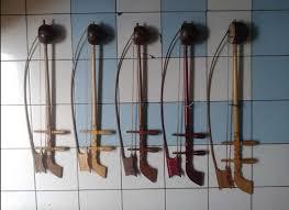 Asal usul keberadaan erhu bisa dilacak hingga dinasti tang pada sekitar abad ke 7 masehi hingga. Nada Apa Yang Dihasil Dari Alat Musik Tradisional Tehyan Seni Musik Dictio Community