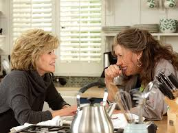 Jane Fonda and Lily Tomlin in Grace and Frankie on Netflix: Photo ...
