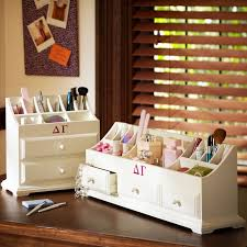 AD-Makeup-Storage-Ideas-1