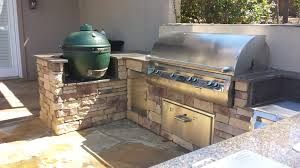 Outdoor Kitchen And Fireplace - Outdoor kitchen omaha