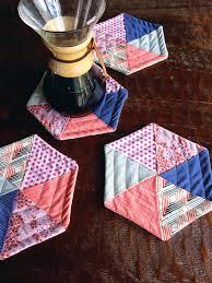 enJOY it by Elise Blaha Cripe: quilted hexagon potholders. & quilted hexagon potholders tutorial Adamdwight.com