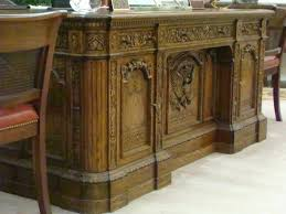 Office Design White House Oval Office President Resolute Desk