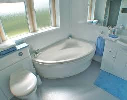 corner bathtub small bathroom