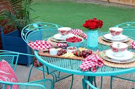 how to paint patio furniture with chalk paint