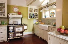 Victorian kitchen lighting Federation Style Heartlands classic Gas Stove Is Crowned By An Italian Platter And Flanked By Cabinets Cortinas Para Exterior Madera Bamboo Floor In Kitchen Puerta Ventana Reinventing The Victorian Kitchen Old House Journal Magazine