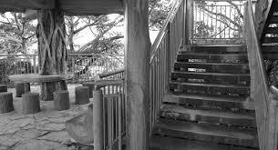 太平洋が一望できる廃墟な展望台 うるま市野鳥の森自然公園 ぶらり沖縄人