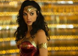 Van de ene 'Wonder Woman' naar de andere: Gal Gadot kruipt in de huid van  Cleopatra | Film | hln.be