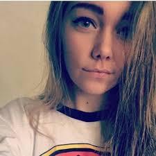 Alicia Curran 🌻 (@lil_bird14) | Twitter