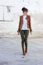 los angeles style blogger wearing zara leather jacket and blouse jeans