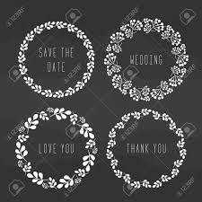 結婚式の花の花輪暗い背景に素朴なシンプルな花輪のセット