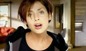 The video is probably being filmed by a female, who could be natalie's friend or relative. Natalie Imbruglia Birthday Special Rewind With Her Chartbusting Song Torn Video India Com