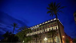 façade by night