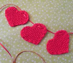Knitted Heart Pattern Simple Brighten Up Parties And Blank Walls With Knitted Bunting