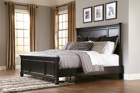 Greensburg Queen Panel Bed
