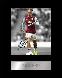 Amazon.de: Jack Grealish signiertes Foto mit Passepartout, Aston Villa FC  #01, gedrucktes Autogramm, Geschenk, Fotodruck