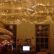 11 Unexpected Ways to Decorate Your Dorm With Holiday Lights | http://www