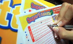 Superenalotto, i numeri vincenti dell'estrazione di oggi ...