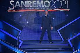 Sanremo 2021 la scaletta della quarta serata: ecco i cantanti e gli ospiti