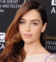 emilia clarke in the game of thrones real life and without makeup