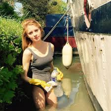 Who is Lavinia Woodward Oxford Uni student who stabbed Cambridge.