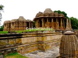 photo essay celebrating world heritage day heritage  sun temple modhera gujarat