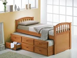 Pull Out Bed Under Bed With Wooden Bed With 6 Drawers Along With Grey  Carpet ...