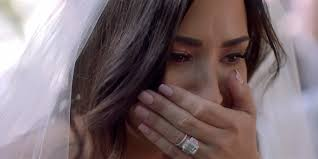 Demi Lovato gets left at the altar in her emotional new video for 'Tell ...