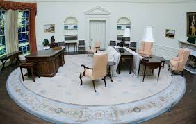 obamas oval office. Trump Official Praises Oval Office Makeover, Blames Obama For Wallpaper Stains | Vanity Fair Obamas