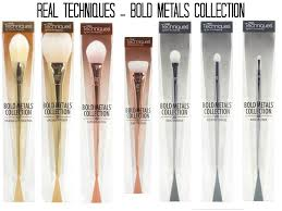 real techniques bold metals contour brush. absolutely adore the real techniques bold metals collection. are amazing brushes but these contour brush n