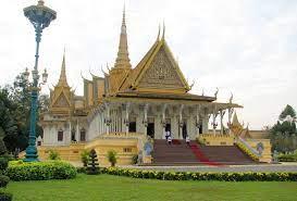 KHAOFANG: พระบรมราชวังจตุมุขสิริมงคล (Royal Palace Of Phnom penh)