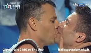 watch gay italian acrobat proposes on s got talent gay male acrobat proposes talent kiss